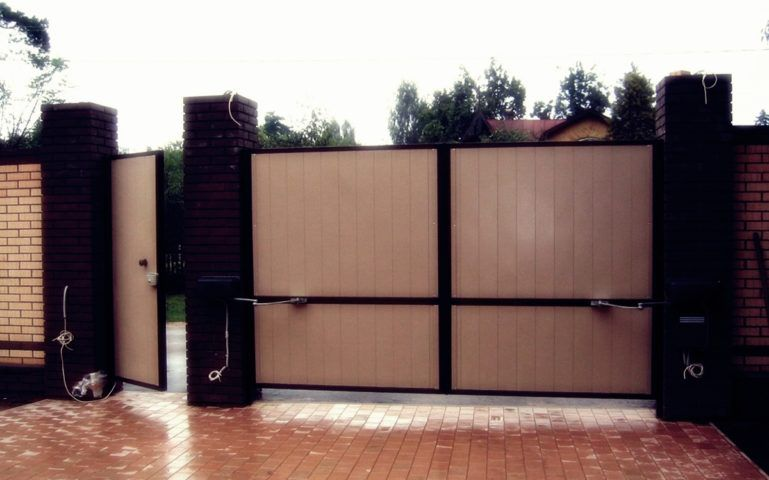 Гаражные ворота Doorhan Екатеринбург