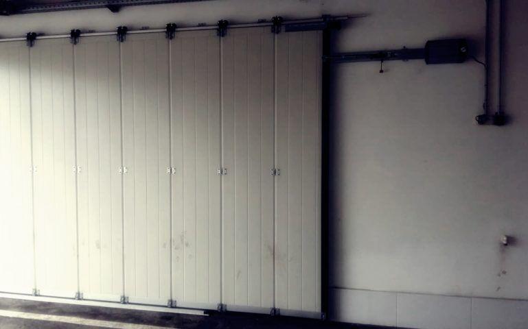 Откатные секционные ворота Екатеринбург