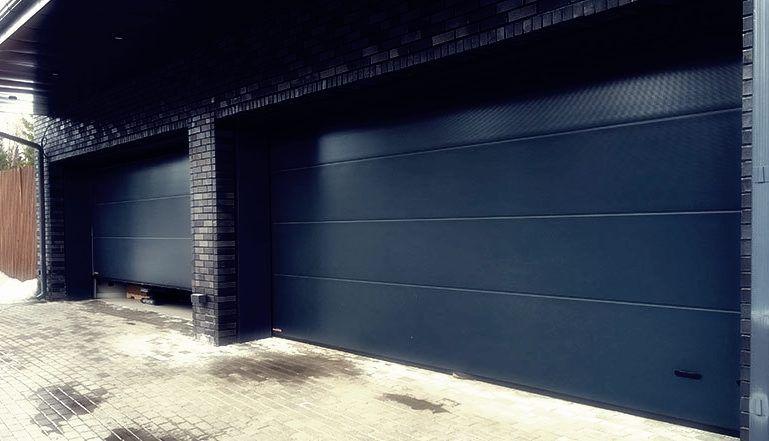 Подъемно-секционные гаражные ворота Екатеринбург