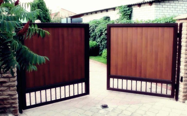 Распашные гаражные ворота Екатеринбург